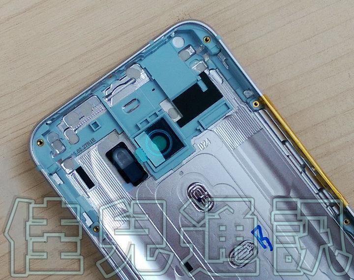 HTC-M10-nero-e-argento-14